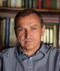 Tringli István